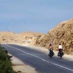 Dans le Sahara Occidental nous faisons des étapes quotdiiennes allant de 120 à 165km.