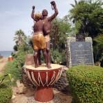 L'Île de Gorée est située dans la baie de Dakar. C'est un lieu symbole de la mémoire de la traite des esclaves en Afrique, il est distingué à ce titre par l'UNESCO.