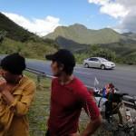 Nous ne nous attendions pas à des routes aussi vallonnées. Dans ces circonstances, généralement nous prenons une pause de 15min toutes les heures et demie.