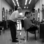 Après bientôt 4 mois Morgan part se faire couper les cheveux. Le coiffeur du coin doit être âgé d'au moins 75 ans, ici il est fréquent de rencontrer des vétérans exerçant une activité professionnelle.