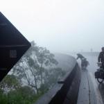 Nous sommes surpris de découvrir la pays de la Samba et du football sous la pluie et le brouillard... nous roulons toute la journée dans des conditions difficiles : pluie, camions, autoroutes...