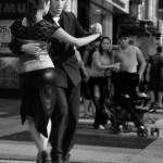 Le célèbre Tango argentin !!! Nous serions heureux de pouvoir danser ainsi... mais cette fois notre rêve restera un simple rêve... :)