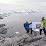Solidream en Antarctique, en grande partie grâce à l'équipe du Kim reconstituée 30 ans après pour l'occasion. Nous avons passé d'inoubliables moments, à l'intérieur du bateau comme à l'extérieur. Daniel, Claude, Michel, nous voulons simplement vous adresser un immense MERCI pour ces instants indescriptibles, irréelles, vécus dans un autre monde…
