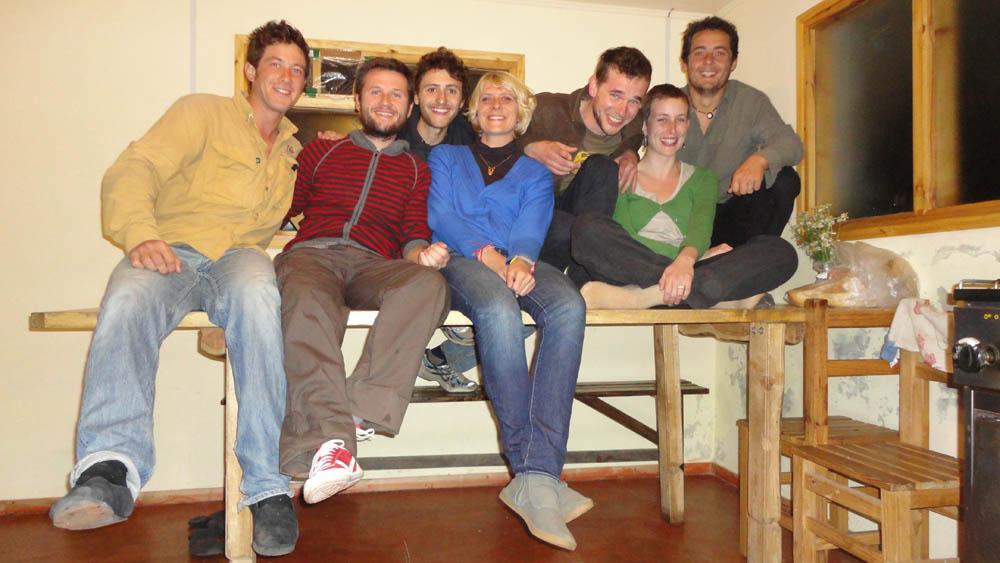 El Chalten, Argentine. Nous retrouvons Guillaume et Julie accompagnés de Thomas et Laura aussi rencontrés au prc Torres del Paine. Ils nous régales une fois de plus d'un superbe repas et d'une excellente soirée. Merci les amis !!!