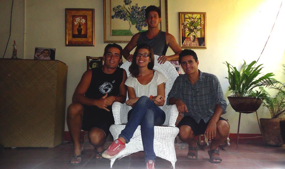 Masaya, Nicaragua.Brian a rencontré Teresa, une étudiante espagnole, en Norvège. Elle vit actuellement au Nicaragua et nous l'avons invité à venir nous voir au Costa Rica... lors de notre passage par Masaya elle n'a pas manqué de nous accueillir à son tour chez elle.