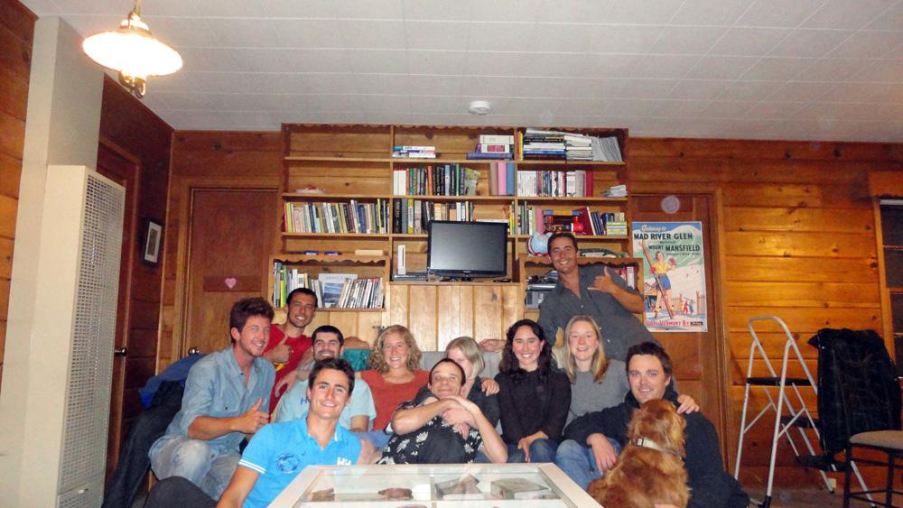 Bishop, Californie, USA. Victoria nous emmène faire quelques soirées chez ses amis lors de notre arrivée dans cette petite ville. La communauté est jeune et dynamique dans cette petite ville de 3000 habitants, et nous offre une bonne ambiance après notre étape dans Death Valley. L'occasion pour nous de décompresser un bon coup après notre épisode de Death Valley.