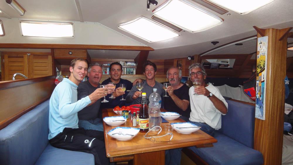 """Antarctique. L'ancien équipage du Kim (www.kimenantarctique.com) nous offre deux mois à bord du voilier """"Ocean Respect"""" pour partir retrouver le continent glacé..."""