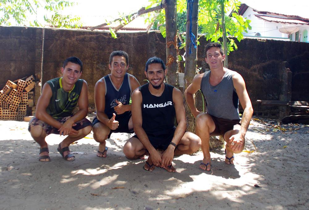 Santarem, Amazonie, Brésil. Eduardo, un couchsurfeur, nous invite généreusement chez lui. Nous le retrouverons plus tard à Alter do Chão car il doit partir travailler avec des communautés d'indiens situées à quelques centaines de km de la ville...