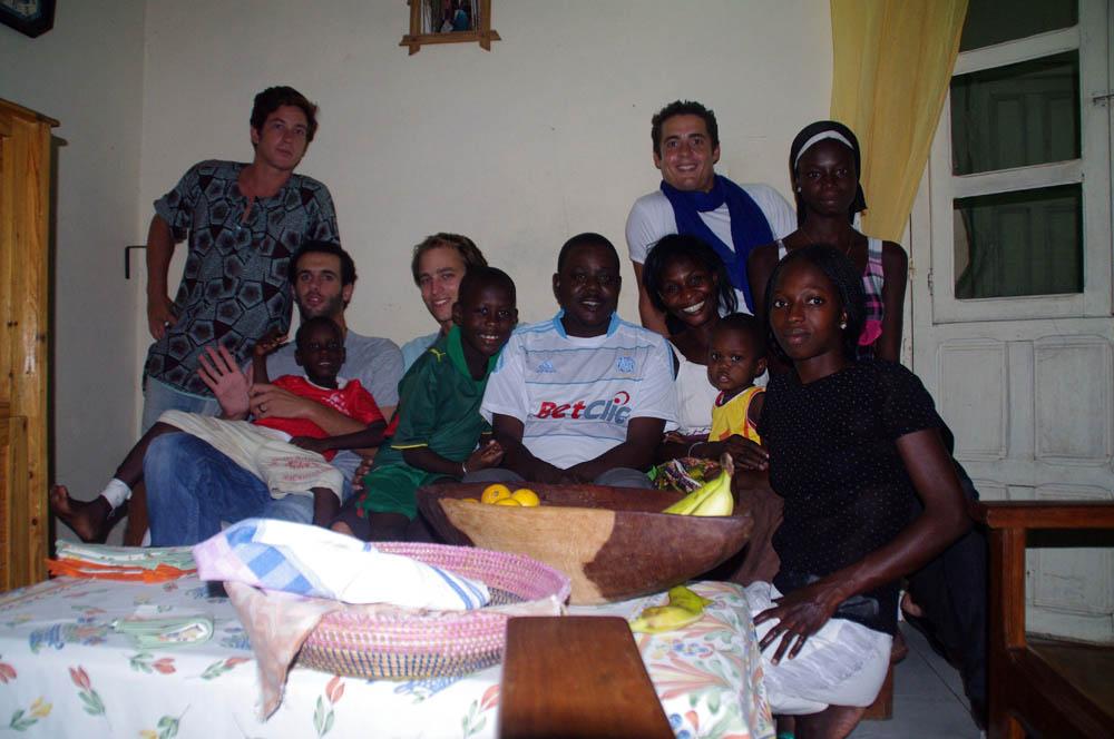 Saint Louis, Sénégal. Dado nous a concocté un poulet yassa (poulet oignons, riz...) que nous ne sommes pas prêts d'oublier
