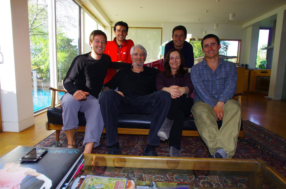 Auckland, Nouvelle Zélande : Mary-Anne et Chris sont les « hosts » de Siphay. Eux aussi des amis de Marrion, elle officie dans une radio en tant que Disc Jockey alors que lui est retraité, mais encore patron de son entreprise de construction. Nous ferons notre soirée de départ de Nouvelle Zélande avec toutes nos « familles d'accueil » dans leur très belle maison.