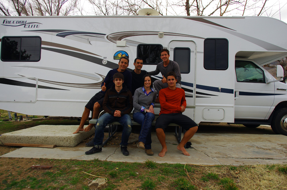 Lake Isabella, Californie, USA. Ingrid et Roman sont les frère et sœur de Brian. Ils nous rejoignent pour deux semaines avec leur camping car. Nous vadrouillons ensemble entre déserts, lacs, Las Vegas et paysages montagneux. Ce fut un réel plaisir de revoir de la famille pour Brian et cet abri confortable nous aura quand même bien abrités du froid.