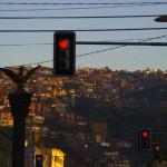 """Le 13 mai 2011 nous quittons Valparaiso vers 17h. Un peu tard certes, mais la """"despedida"""" (fête de départ) de la veille a eu raison de nous... Nous ferons 30 pauvres km ce jour là et nous couchons épuisés dans un champ non loin de la ville de Concón."""