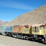 Ne comptez pas emprunter ce vieux train pour vous déplacer dans la région. Il est réservé à l'acheminement de matériaux pour les activités minières.
