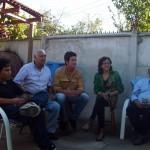 Retrouvailles avec Alan un cousin, José-Luis le grand-père, Deisy et Luis les oncles. Une partie de la famille chilienne de Siphay. Un grand merci à Luis, grâce à qui nous avons pu donner notre conférence à Santiago et rencontrer les médias nationaux. Il n'a malheureusement pas pu assister à cet évènement, gravement malade 2 jours auparavant. Le moment difficile était de le remercier sur son lit d'hôpital. Heureusement son état s'améliore petit à petit. Nous lui souhaitons un rétablissement rapide !