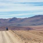 Après un col proche des 5000m nous nous réjouissons d'une longue descente pour rejoindre la Laguna Colorada.