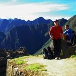 Machu Picchu. Une petite pause avant de commencer la montée vers le mont Huayna Picchu, à 2720m d'altitude.