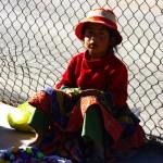 Comme en Bolivie, certains enfants sont forcés de travailler dans les rues pour subvenir aux besoins de la famille.