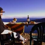 Sur l'Isla Del Sol au bord du lac Titicaca, nous tentons de ne pas oublier nos racines françaises avec des produits locaux: fromage, pain, pinard ! Sur certaines bouteilles, la Bolivie n'a rien à nous envier...
