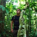 Lors d'une virée dans la jungle avec notre ami Patrick nous en apprenons un peu plus sur cet environnement. Ici nous passons le long de « l'échelle à tortue » comme ils l'appellent.