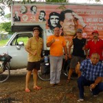 """Comment ne pas parler de la figure politique de Hugo Chavez en passant au Venezuela ?! Il est parfois tantôt adulé par les """"campesinos"""", ces habitants des campagnes, tantôt exécré des gens riches en général pour ses nationalisations à tour de bras. Celui qui se dit successeur du """"Che"""" et du libérateur Simon Bolivar en prônant un socialisme radical ne laisse pas de marbre ! Voir notre article : https://www.solidream.net/blog/2011/11/02/le-venezuela-un-pays-contraste/"""