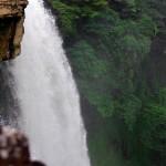 Des chutes d'eau splendides dans le parc national de Canaima. Ici, le Salto Kama d'une hauteur de 75m, pratique pour se laver avant de camper, mais à vos risque et périls !