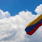 A la découverte d'un pays peu fréquenté par les touristes, plein de promesses mais aussi réputé risqué. La traversée du Venezuela réserve forcément des surprises.