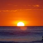 """Les """"sunset sessions"""" tous les jours nous font vibrer. Le surf est un sport passionant que nous avons (re)découvert ici au Costa Rica. Nous reviendrons!"""