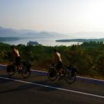 Ça grimpe, ça grimpe, les routes côtières de l'état de Michoacan... Mais le paysage est souvent là pour nous faire paraître le voyage plus agréable.