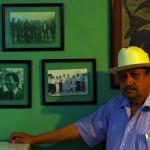 Pancho est le voisin très généreux d'un de nos SolidHost, il propose de nous inviter manger car celui-ci n'est pas encore là. Il offrira le repas du soir gentiment dès la venue de notre contact. Aujourd'hui près de sa famille malade, il a laissé de côté ses activités de journaliste et son propre quotidien local. Il fut d'ailleurs le proche reporter de Luis Donaldo Colosio, décédé durant sa candidature aux présidentielles en 1994.