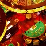 Comment ne pas passer à Las Vegas et aller faire un tour dans ses fameux casinos ? Promis, nous n'avons pas dilapidé le budget Solidream dans les machines à sous ! Seul Etienne a tenté sa chance avec un pauvre petit dollar... sans succès :)