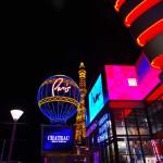 Voici la folie des grandeurs des fondateurs de Las Vegas. Y sont reproduits les Champs-Elysées et cette petite Tour Eiffel en plein cœur de la ville, accompagnés d'un mini quartier aux imitations françaises.