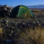 Nous avons trouvé ce spot pour installer nos tentes et passer une nuit froide avant d'entamer la dernière partie de cette traversée de Death Valley .