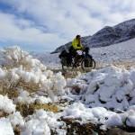 Brian : «Nous nous levons le matin, je sors de la tente et vois ce panorama à couper le souffle. Les hauteurs de Death Valley sous la neige, un spectacle hallucinant de végétation pareille à des cactus sous un manteau de neige. C'est dans ces moments là où je me dis que je n'ai pas dormi dehors pour rien.»