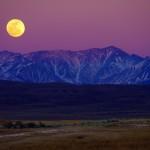 La lune veille sur nous.