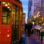 """Les """"cable cars"""" de San Francisco sont utilisés dans la ville depuis 1873 ! Voir ces pièces de collection se balader dans la ville toute la journée fait partie de l'expérience San Francisco."""