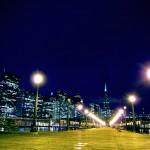 Embarcadero/San Francisco. Nous retrouvons ici les ambiances nocturnes des grandes villes, bars et musique de nouveaux genres nous changent littéralement des sons champêtres !