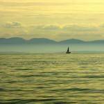 La ville de Vancouver et l'île du même nom offrent un terrain de jeu privilégié des plaisanciers. En effet, la mer calme offre de quoi passer du bon temps sur un bateau à visiter les environs de la côte.