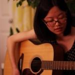 Liwei, une des locataires de la maison de Nicholas chez qui nous étions hébergés, est maintenant devenue une grande amie. Derrière son tempérament introverti se cache une très jolie voix et un certain talent pour la musique. Nous avons passé de très bons moments en sa compagnie. Elle a proposé de prêter sa voix pour nos films : affaire à suivre ! Merci Liwei !