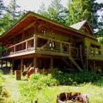 La maison de Brent et Judy sur Pender Island. Ils l'ont bâti de leurs propres mains, cette maison canadienne typique en bois est un bijou. Un havre de paix que nous avons su apprécier à sa juste valeur.