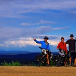 Morgan, Brian, Bertrand et Siphay sur la Top of the World Highway !