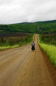 La Dalton highway et la pipeline qui la longe