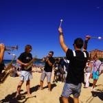 Manly Jazz festival, le plus gros événement de jazz en Australie, les pieds dans le sable en banlieue de Sydney. L'occasion pour nous de nous aérer l'esprit et de découvrir l'activité culturelle riche d'une ville comme celle-ci. L'ambiance y est festive et les groupes y jouent génialement bien. En plus c'est gratos !