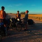 Petite erreur sur la carte et nous sommes déjà sur la piste. Petite pause pour savoir où nous sommes, et c'est reparti ! — in Balaklava, South Australia.
