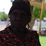 Plus nous approchons du nord du pays, plus nous rencontrons d'aborigènes. Ce peuple vieux de 60 000 ans était très présent sur le territoire du nord. Il vivait paisiblement et en harmonie avec la nature, jusqu'à ce que les occidentaux vinrent tout chambouler il y a tout juste 200 ans. Aujourd'hui, il est extrêmement difficile pour ces gens de s'intégrer au système et à la société que nous leur avons imposé.