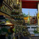 Les moulures et l'architecture des temples bouddhistes est vraiment exceptionnelle. Jugez vous-même.