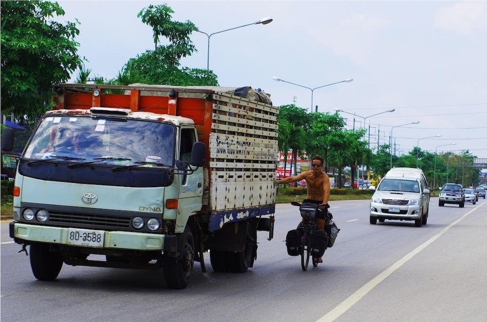 Plus de 200km accrochés aux camions