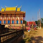 Pagode Cambodgienne le long du Mékong.