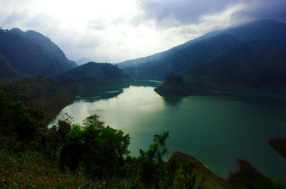 Ces couleurs surprenantes sont une belle surprise dans cette partie du Vietnam car nous ne trouvions que peu d'informations sur les choses à voir dans le coin. Ceci nous confirme, encore une fois, qu'il existe bien des endroits extraordinaires qui ne sont pas connus des guides touristiques.