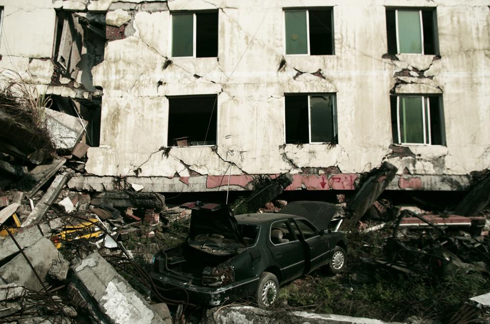 La ville de Beichuan est aujourd'hui un musée à ciel ouvert. Dans le séisme de 2008 au Sichuan, la ville a été dévastée. Le bilan s'est élevé à 70 000 morts environ. Si le concept de faire visiter les décombres d'un carnage nous paraît un peu bizarre comme idée, l'endroit n'en reste pas moins curieux.