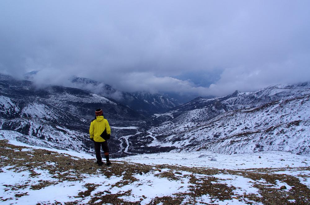 Le bon côté d'évoluer en montagne : apprécier la vue ! Même avec un mauvais temps, quand on arrive en haut on a toujours un sentiment de réussite, surtout après 2 longues journées d'ascension…. Et c'est bien la raison pour laquelle on apprécie autant la vue : sans l'effort qui précède elle aurait probablement moins de valeur.